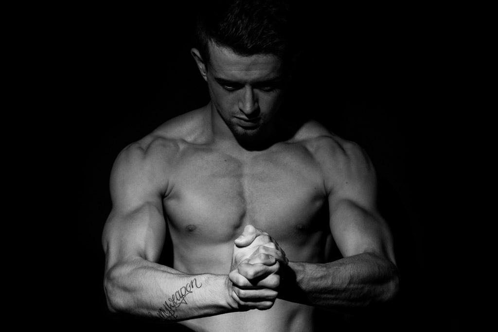 体脂肪を筋肉に変えるという発想は間違い!効率よく細マッチョを目指すには