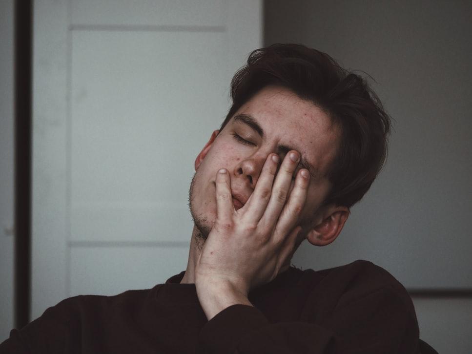 男の疲れ顔のサッパリ解消法